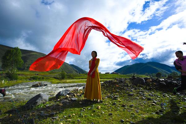 西藏汽车租赁公司.jpg